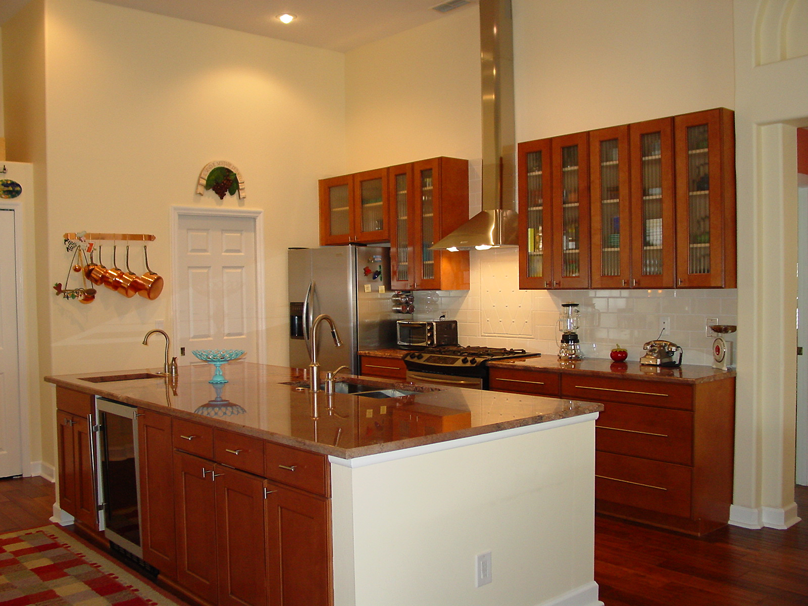 Warren cabinet refinishing how your kitchen remodeling for Cabinet refacing